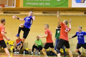 Įpusėjus rankinio čempionatui pirmauja Kauno komandos